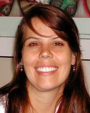 Laura J. Benjamins MD